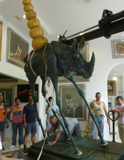 José-Ángel-y-escultura-de-Dalí-en-Sameer-Gallery